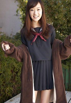 Asian Schoolgirl Pics